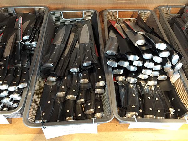 wusthof knives_knife bins close