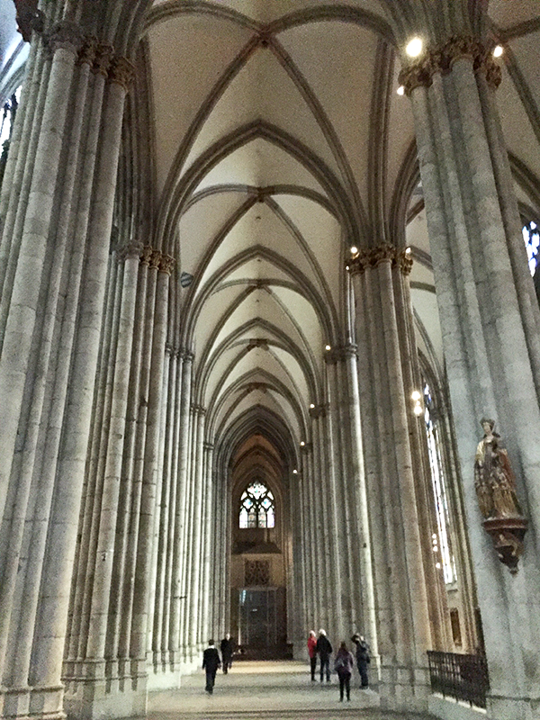 cathedral_interior2
